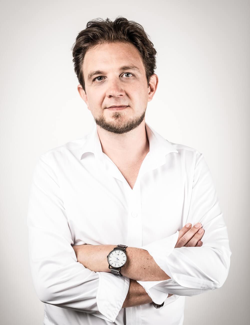 Dr. Gernot Rainer